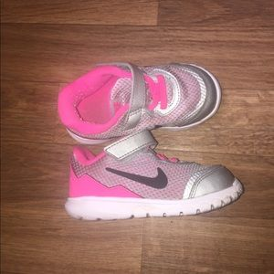 Toddler Pink/White Nike Sneakers